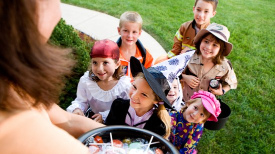 Halloween Safety Tips img1